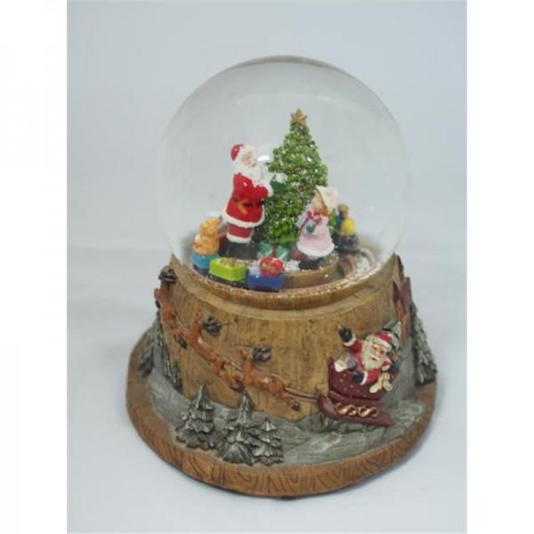 Santa am Baum