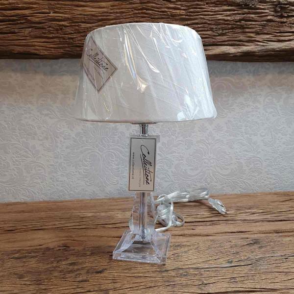Lampe mit Schirm