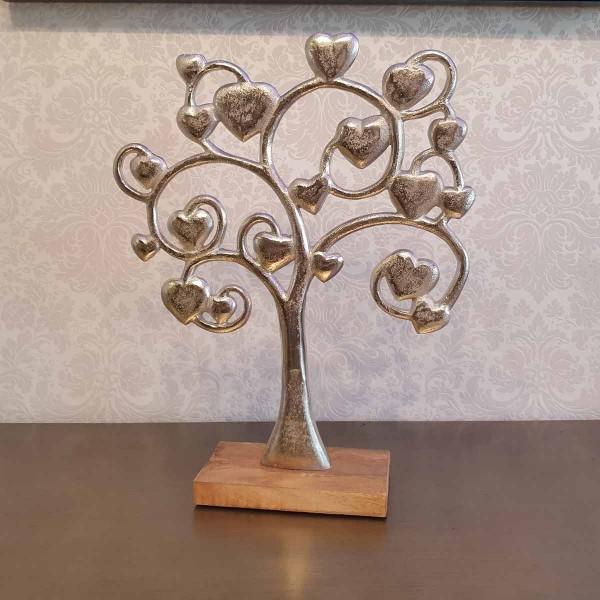 Ein Baum voller Herzen